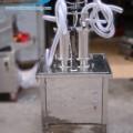 máy chiết rót dung dịch mini