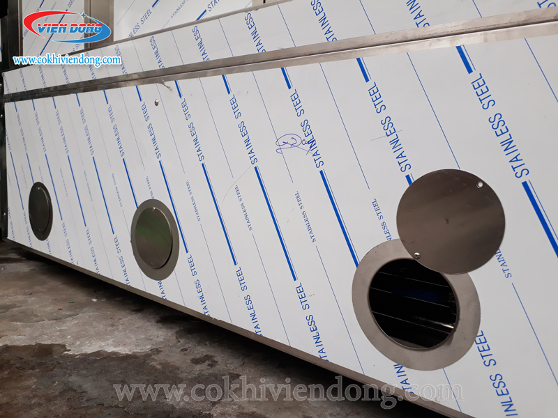 Máy rửa khay công nghiệp do Viễn Đông sản xuất