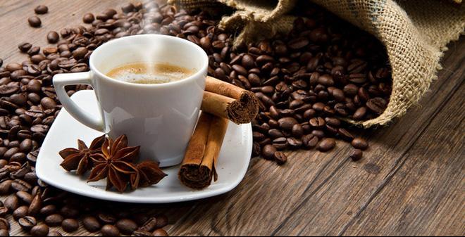 cafe tự xay từ máy xay cafe hạt mini