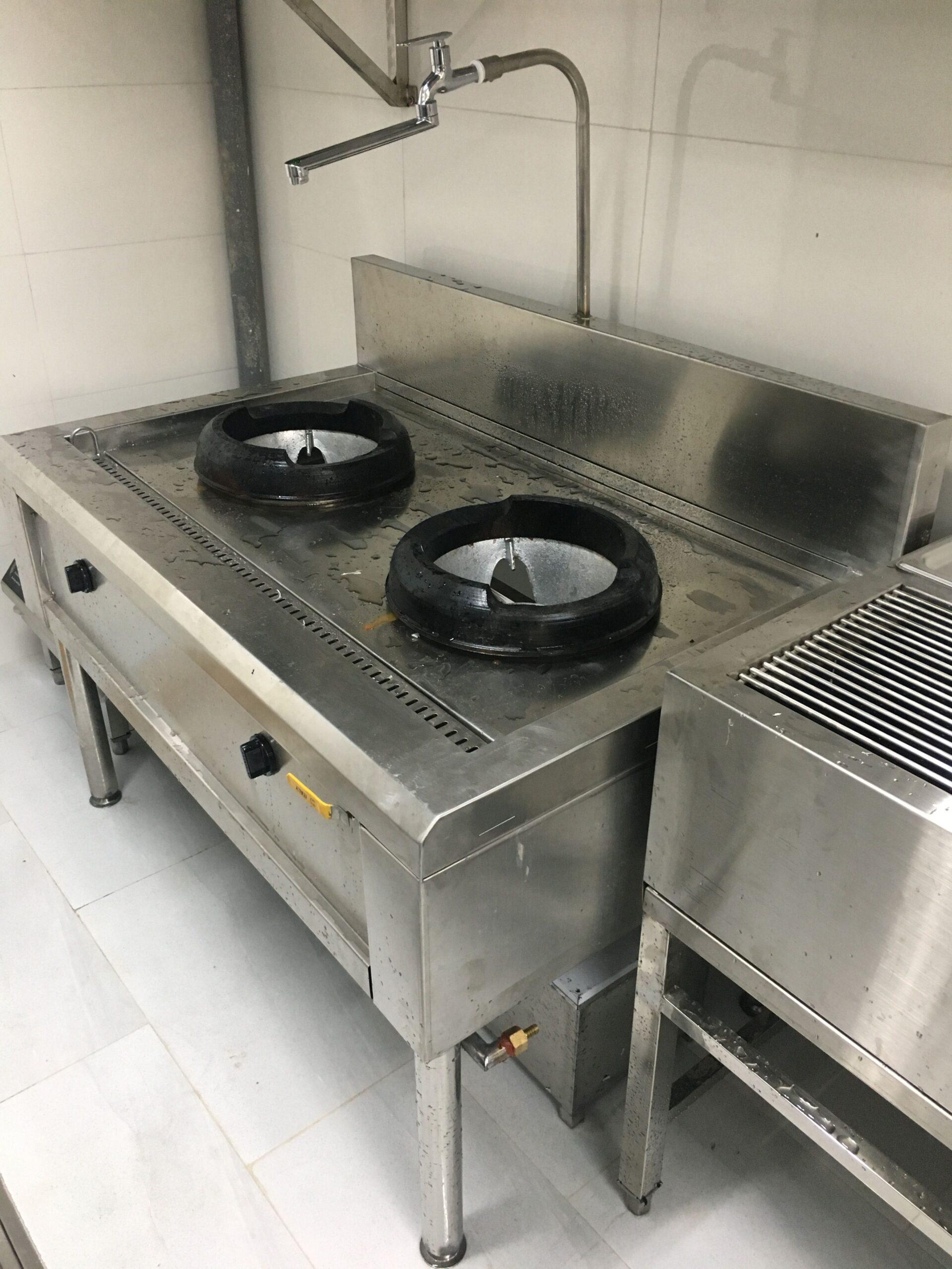 vệ sinh bếp á đôi